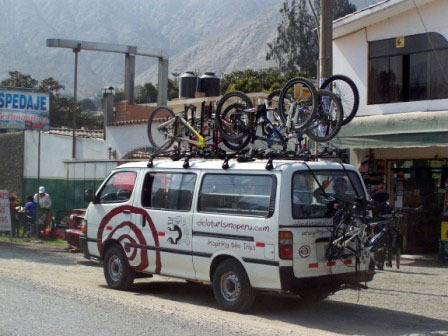 Perucycling support vehicle