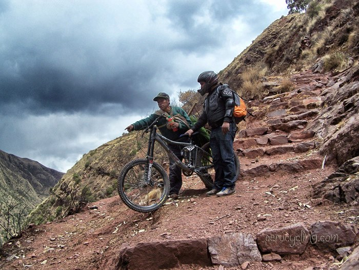 Chinchero Urquillos Trail www.perucycling.com